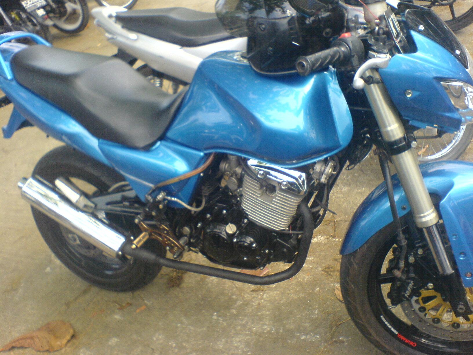 """Modifikasi Suzuki Thunder 125; """"Mengimbangi Berat Badan"""""""